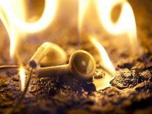 Burn in tai nghe