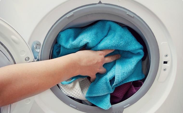 Không nên giặt lượng quần áo quá lớn