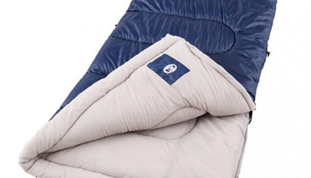 Cách tốt nhất để bảo vệ túi ngủ khi vệ sinh túi ngủ là giặt thủ công