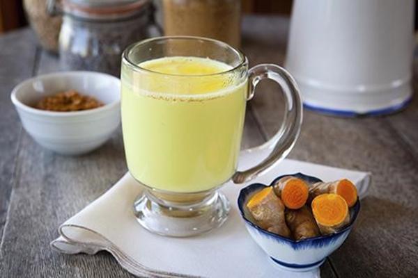 Bạn có biết uống tinh bột nghệ có tác dụng gì?