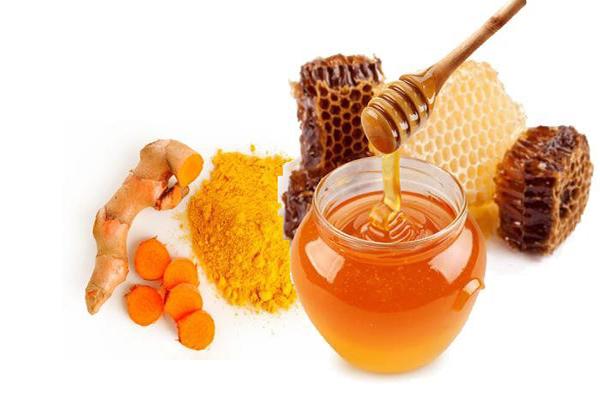 Tại sao nên uống tinh bột nghệ với mật ong hàng ngày?
