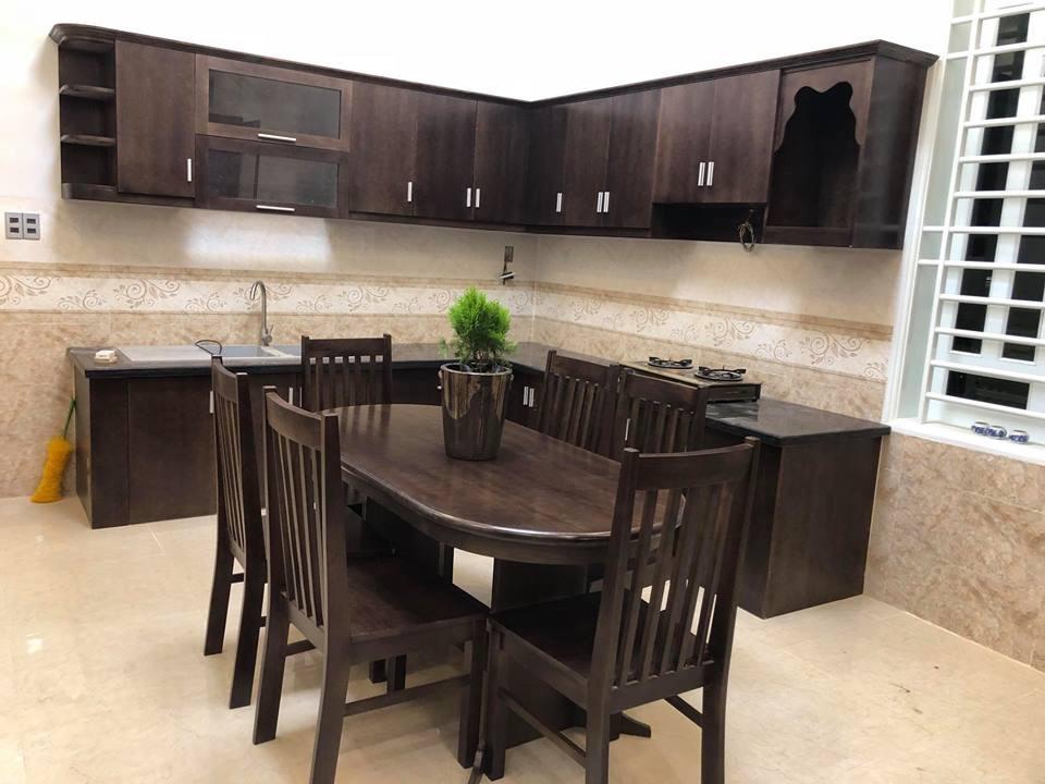 Phòng bếp mơ ước của nhiều gia đình với gỗ tốt