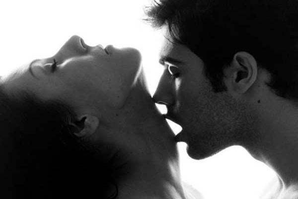 Tuyệt chiêu quan hệ bằng miệng cho vợ lên đỉnh mà các ông chồng cần biết